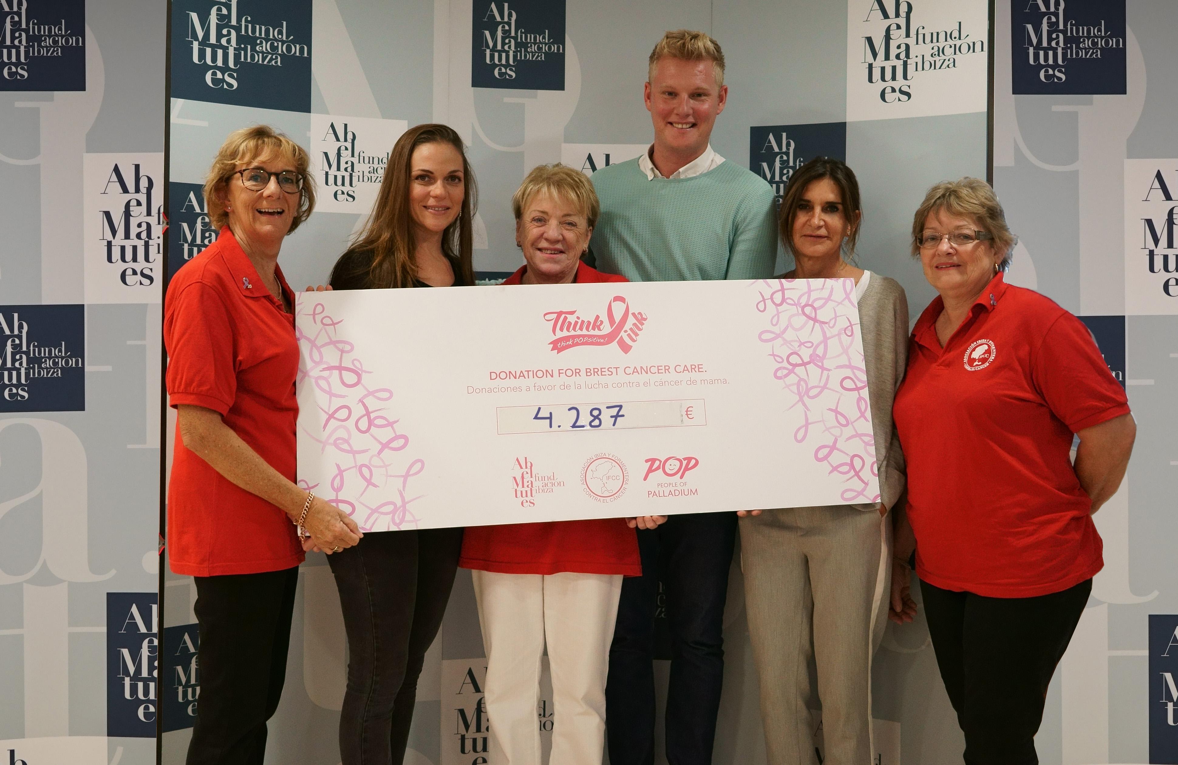 Palladium Hotel Group entrega a la Asociación Ibiza y Formentera Contra el Cáncer un cheque solidario por un importe de 4.287 euros